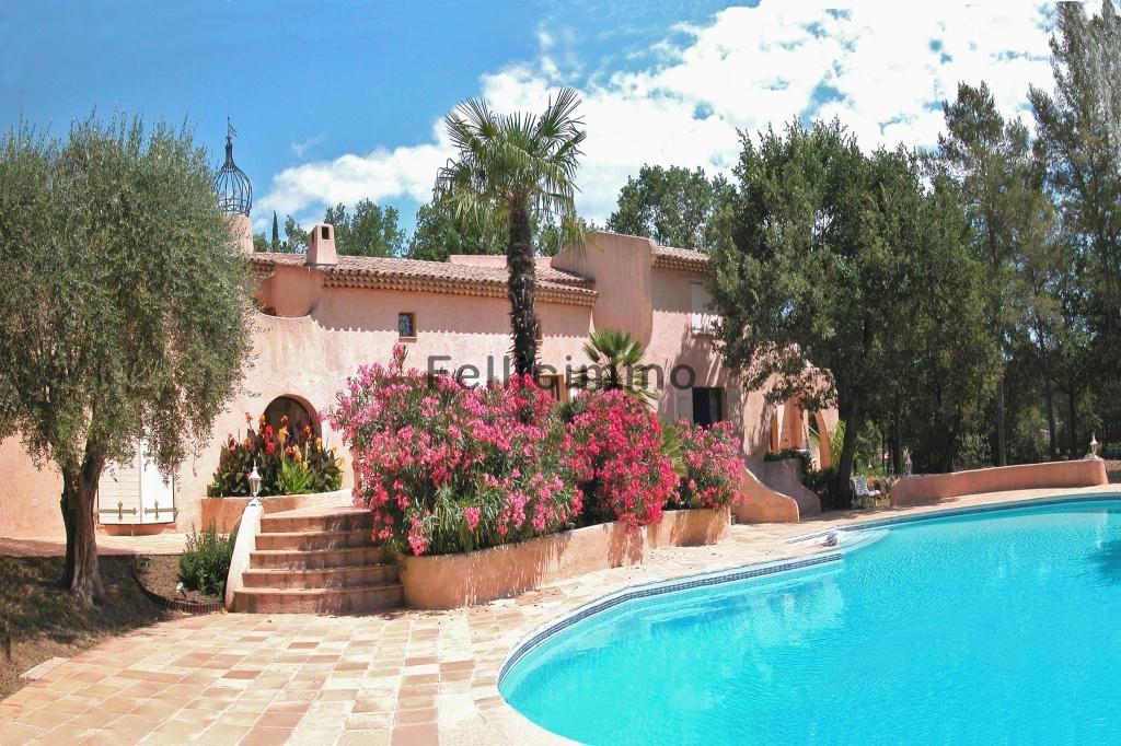 Panorama piscine-jardinière-villa 1_modifié-1
