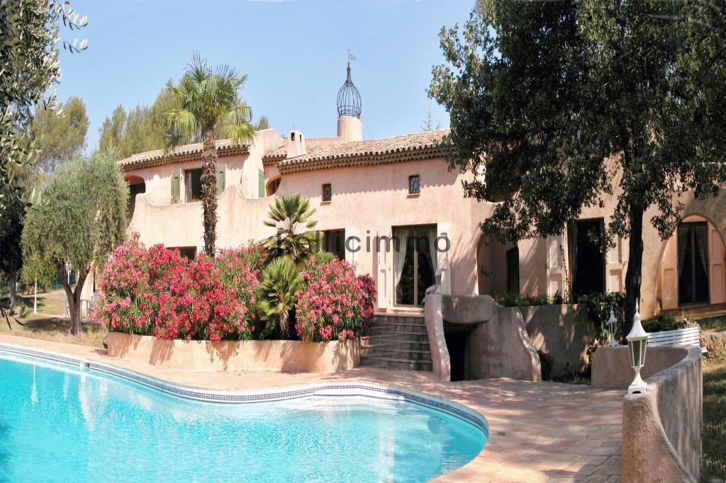 Panorama piscine-jardinière-villa 2